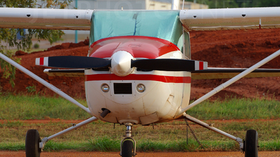 VH-FHM - Cessna 182Q Skylane II - Private