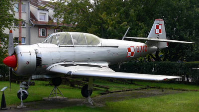 0710 - PZL-Mielec TS-8 Bies - Poland - Air Force