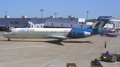 N990AT - Boeing 717-23S - airTran Airways