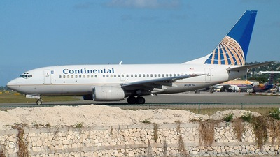 N15710 - Boeing 737-724 - Continental Airlines