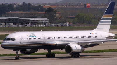 EC-ISY - Boeing 757-256 - Privilege Style (Hola Airlines)