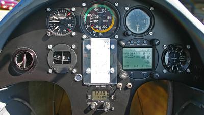 D-9101 - Start & Flug H101 Salto - Private