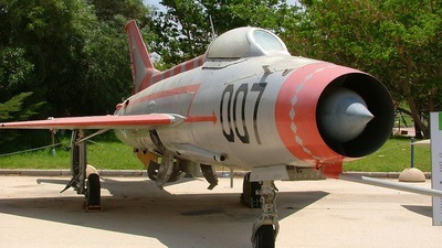 007 - Mikoyan-Gurevich MiG-21 Fishbed - Israel - Air Force