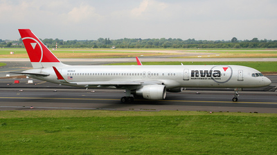 N536US - Boeing 757-251 - Northwest Airlines