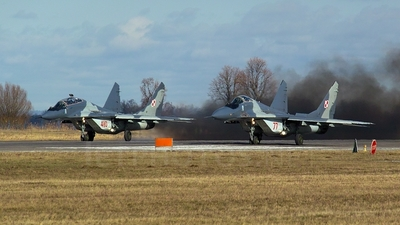 77 - Mikoyan-Gurevich Mig-29 Fulcrum - Poland - Air Force