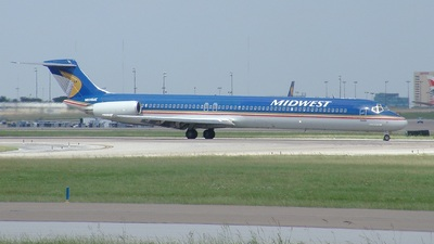 N806ME - McDonnell Douglas MD-81 - Midwest Airlines