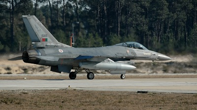 15105 - General Dynamics F-16A Fighting Falcon - Portugal - Air Force