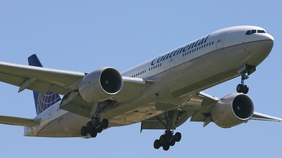 N27015 - Boeing 777-224(ER) - Continental Airlines