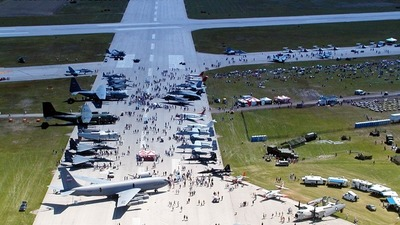 CYXU - Airport - Runway
