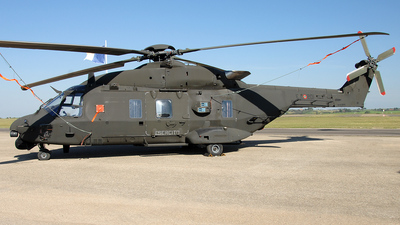 MM81518 - NH Industries NH-90 - Italy - Army