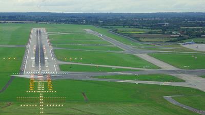 EIDW - Airport - Runway