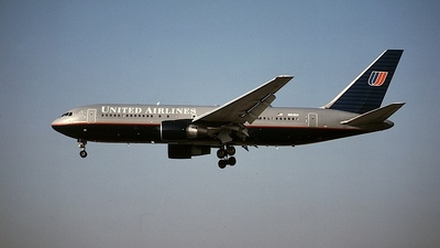 N612UA - Boeing 767-222 - United Airlines