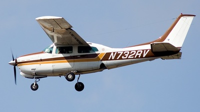 A picture of N732RV - Cessna T210M Turbo Centurion - [21061722] - © Eric Siebeneicher