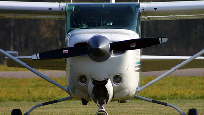 OO-MPK - Cessna 172RG Cutlass RG - Private