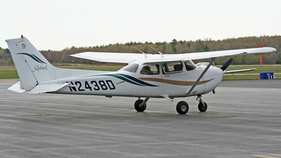 A picture of N2438D - Cessna 172R Skyhawk - [17280877] - © Steve Pellegrino