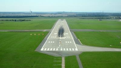 LKPR - Airport - Runway