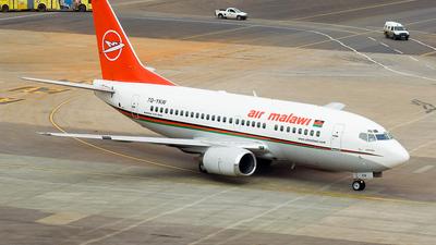 7Q-YKW - Boeing 737-522 - Air Malawi