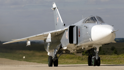 40 - Sukhoi Su-24M Fencer - Russia - Air Force