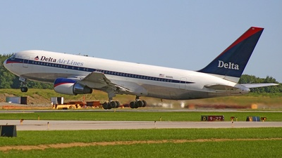 N110DL - Boeing 767-232 - Delta Air Lines