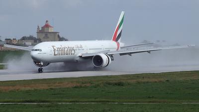 A6-EBF - Boeing 777-31HER - Emirates