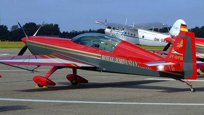 JY-RFB - Extra 300LP - Royal Jordanian Falcons