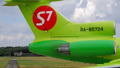 RA-85724 - Tupolev Tu-154M - S7 Airlines