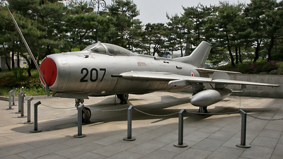 207 - Mikoyan-Gurevich MiG-19 Farmer - North Korea - Air Force