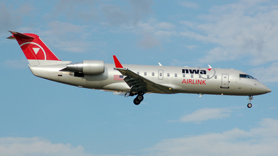 N8943A - Bombardier CRJ-440 - Northwest Airlink (Mesaba Airlines)