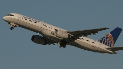 N17105 - Boeing 757-224 - Continental Airlines