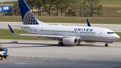N24702 - Boeing 737-724 - United Airlines (Continental Airlines)