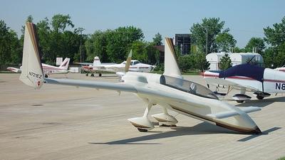 A picture of N721EZ - Rutan LongEZ - [1327] - © Piotr Rolek - Chicago Aviation Photography