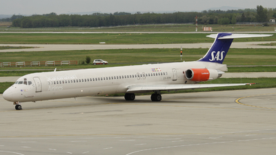 OY-KHN - McDonnell Douglas MD-81 - Scandinavian Airlines (SAS)