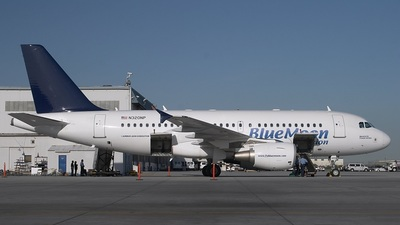 N320NP - Airbus A319-112 - Blue Moon Aviation
