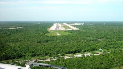 MMUM - Airport - Runway
