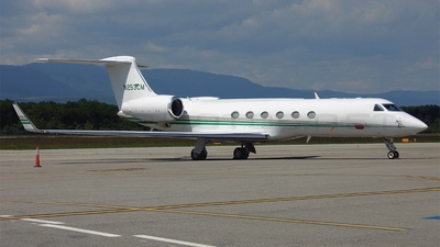 N253CM - Gulfstream G-V - Private