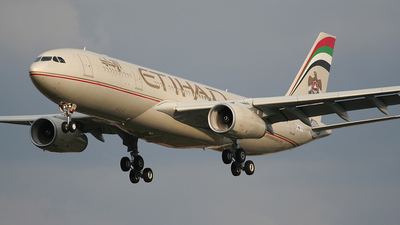 F-WWYY - Airbus A330-243 - Etihad Airways