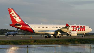 PT-MVQ - Airbus A330-223 - TAM Linhas Aéreas
