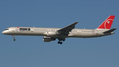 N594NW - Boeing 757-351 - Northwest Airlines