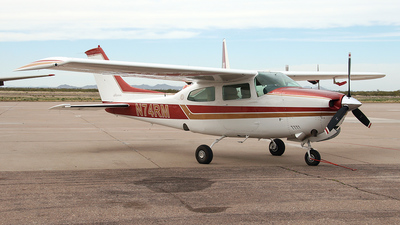 A picture of N74RM - Cessna T210M Turbo Centurion - [21061694] - © Bruce Leibowitz