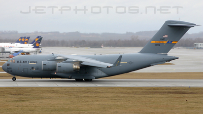 01-0195 - Boeing C-17A Globemaster III - United States - US Air Force (USAF)