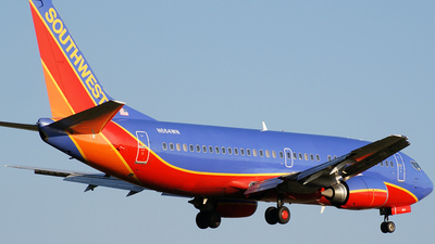 N664WN - Boeing 737-3Y0 - Southwest Airlines