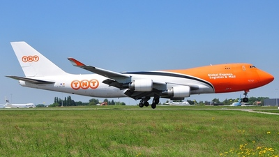 OO-THB - Boeing 747-4HAERF - TNT Airways