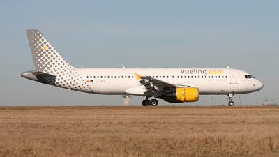 EC-JNT - Airbus A320-214 - Vueling Airlines