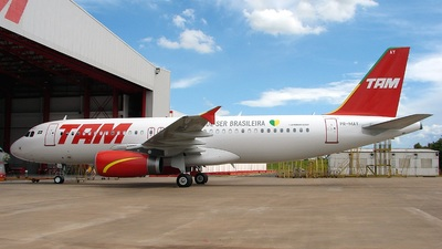 PR-MAY - Airbus A320-232 - TAM Linhas Aéreas