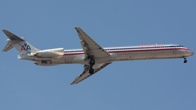 N592AA - McDonnell Douglas MD-83 - American Airlines