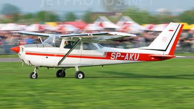 SP-AKU - Cessna 172M Skyhawk - Private