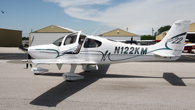 A picture of N122KM - Cirrus SR22 - [0036] - © Bruce Leibowitz