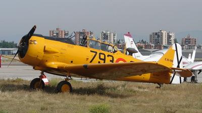 EC-DUM - North American T-6G Texan - Fundación Infante de Orleans