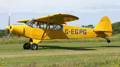 A picture of GEGPG - Piper PA18135 Super Cub - [183569] - © Ian Howat