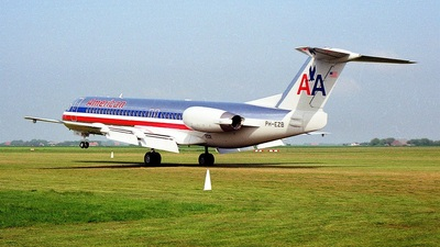 PH-EZB - Fokker 100 - American Airlines